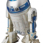 Mafex-C-3PO-and-R2-D2-012