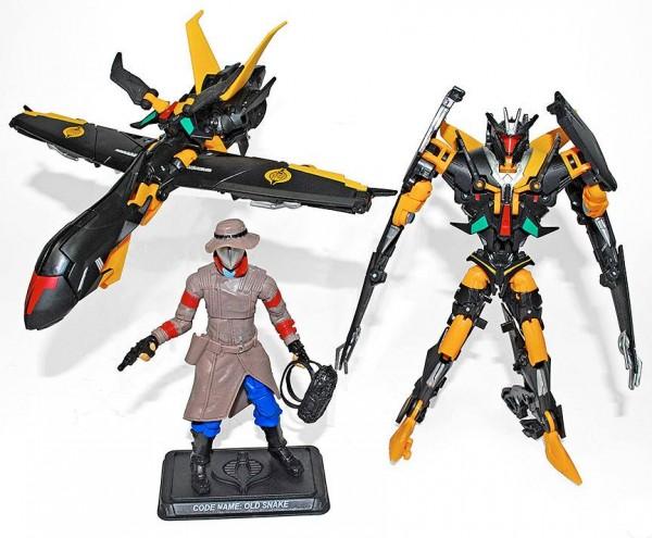 gijoe-transformerscrossover02