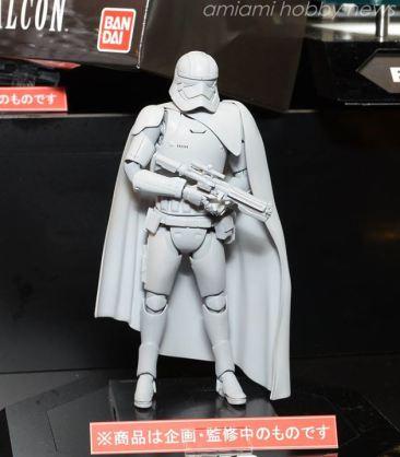 Bandai-Star-Wars-Model-Kit-Captain-Phasma