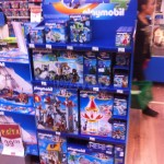 Dispo en France : Playmobil Super4,  poupées Descendants, Ever After High etc...