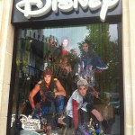 Dispo en France : Disney Descendants,  Star Wars, Marvel Legends etc...