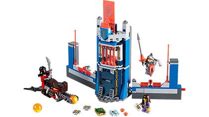 Lego2016-06-legoNexoKnight-lc065