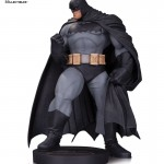 Dark Knight III: The Master Race - statuette