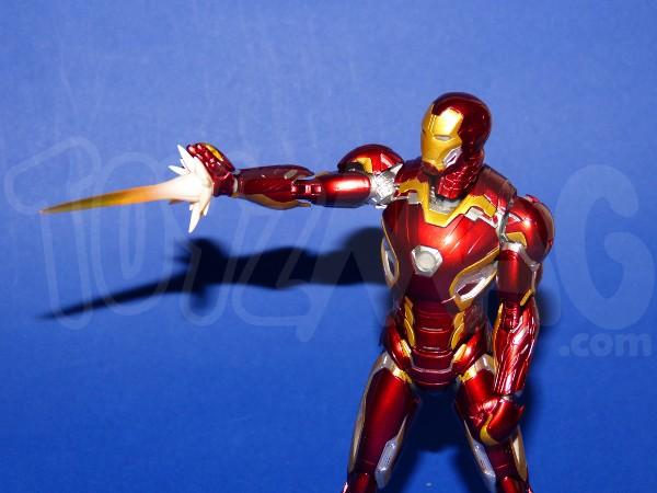 SH-figuarts-avengers2-iron-man-mk-45-15