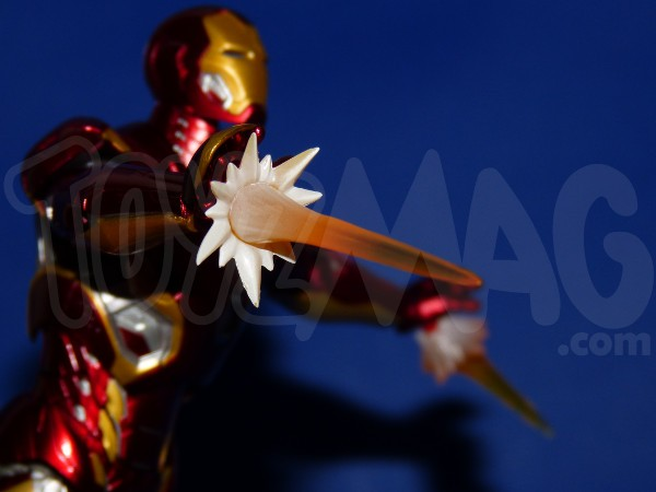 SH-figuarts-avengers2-iron-man-mk-45-17