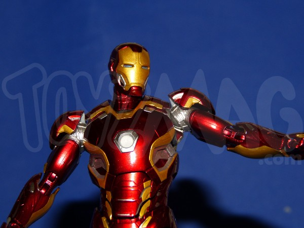 SH-figuarts-avengers2-iron-man-mk-45-27
