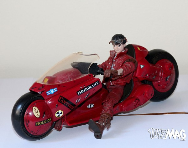 Kaneda sur sa moto / Kaneda on bike - AKIRA - McFarlane Toys serie 2 - 2001