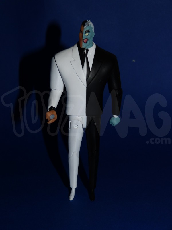 DC-collectibles-batman-animated- 2face-4