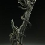 alien-internecivus-raptus-statue-08