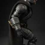 dc-comics-batman-v-superman-armored-batman-premium-format-14
