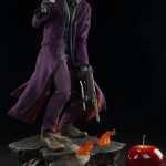 dc-comics-the-joker-the-dark-knight-premium-format-04