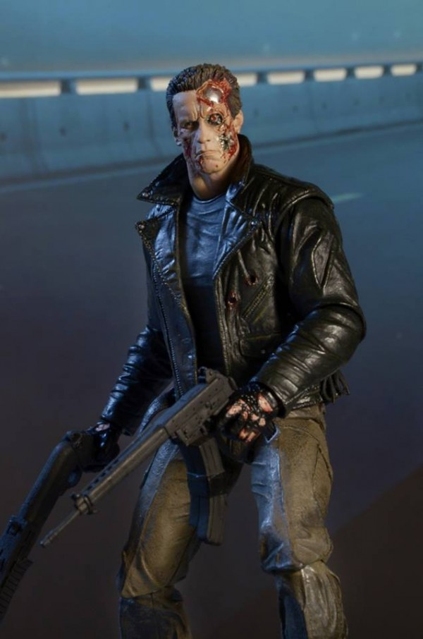 NECA-Ultimate-Police-Station-Assault-T-800-Terminator-4