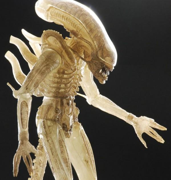 alienquarter-neca-02