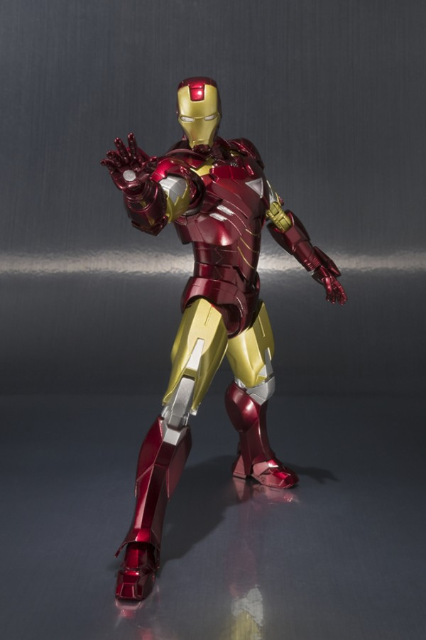 S.H.Figuarts IRON MAN MARK VI et Hall of Armor Set