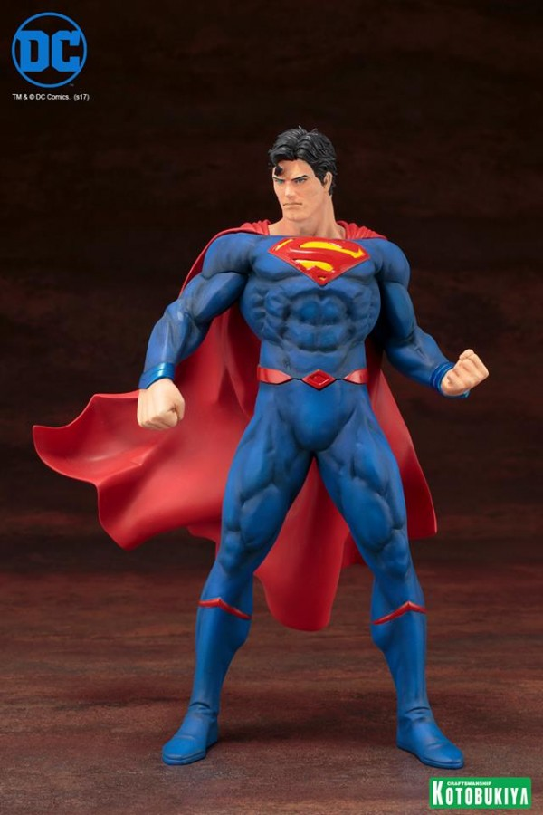 Superman Rebirth ARTFX+ Statue.