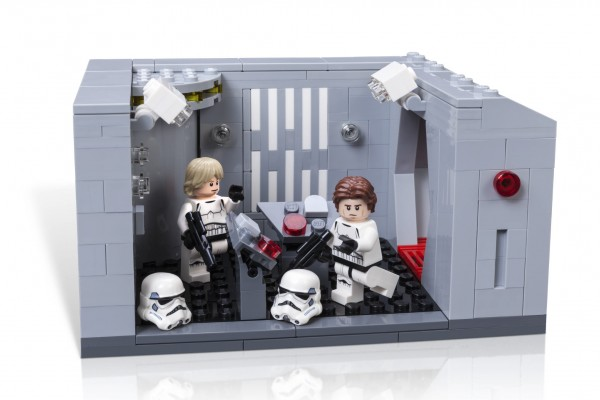 LSW_CELEBRATION_Exclusive_Model-Lego-