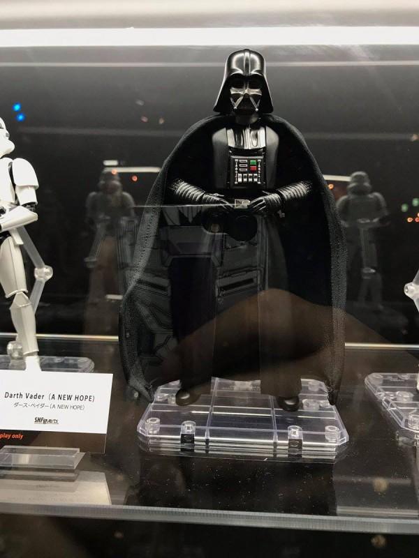 Star Wars une S.H.Figuarts Darth Vader V2