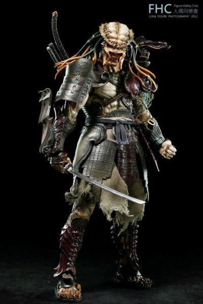 http://www.toyzmag.com/wp-content/gallery/avppredatorsamurai/avp-samurai-predator-hot-toys-24.jpg