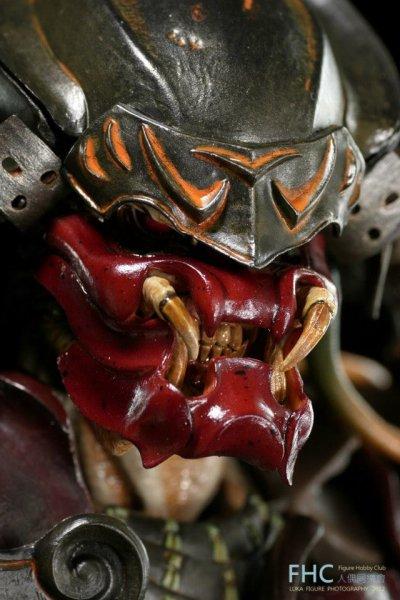 http://www.toyzmag.com/wp-content/gallery/avppredatorsamurai/avp-samurai-predator-hot-toys-28.jpg