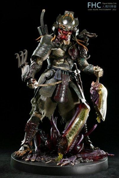 http://www.toyzmag.com/wp-content/gallery/avppredatorsamurai/avp-samurai-predator-hot-toys-31.jpg