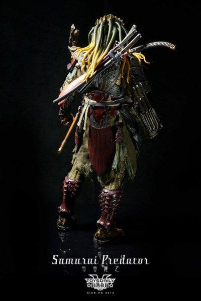 http://www.toyzmag.com/wp-content/gallery/avppredatorsamurai/avp-samurai-predator-hot-toys-46.jpg