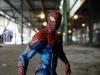 the-amazing-spider-man-metallic-disney-exclue-marvel-select-3