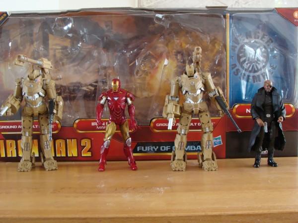Les deux drones, Iron Man et Nick Fury