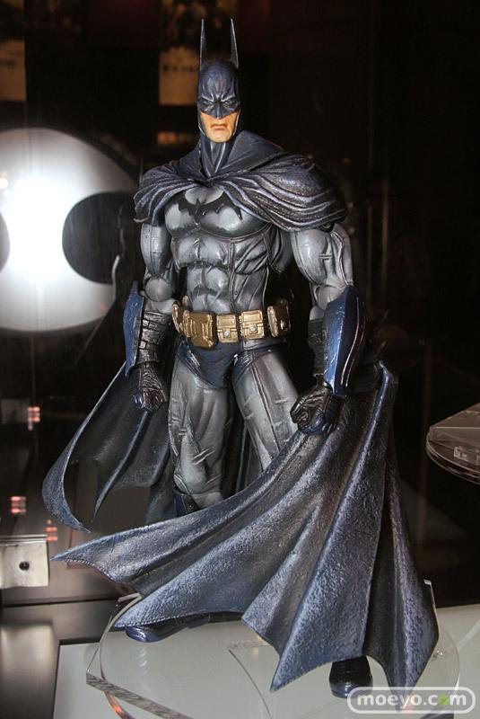 New Play Arts Kai Batman Arkham Asylum