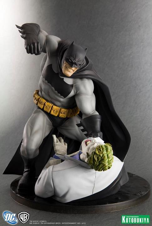 Kotobukiya The Dark Knight Returns Batman ARTFX Statue