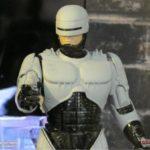 Robocop et ED209 arrivent chez Hot Toys