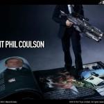 L'agent Coulson, un Chitauri et des accesoires Dark Knight Rises par Hot Toys
