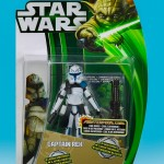 Hasbro_Clone_Wars_2013_Green_yoda_Carded_Captain_Rex