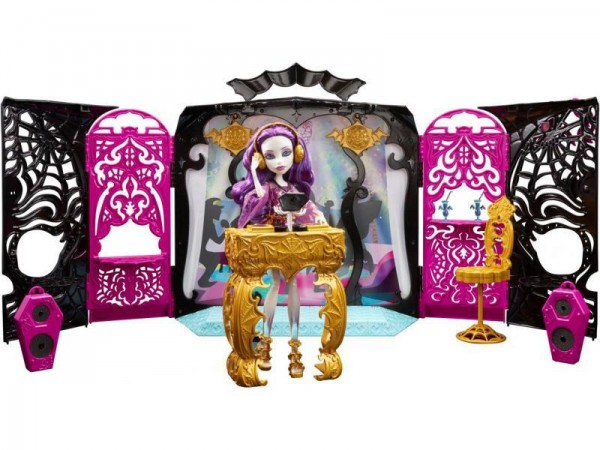Spectra Party Room Monster  High 13 wishes