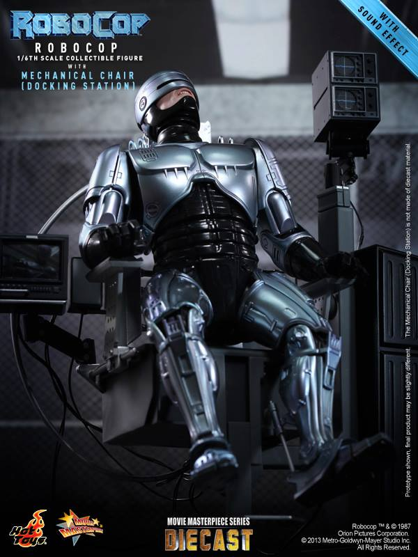 16th scale RoboCop Collectible Figure with Mechanical Chair HOT TOYS (08)
