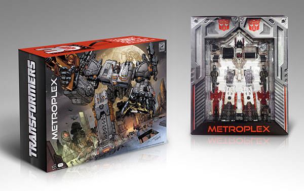 Hasbro-2013-SDCC-Transformers-Titan-Class-Metroplex_packaging
