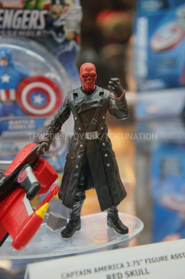 SDCC-2013-Hasbro-Captain-America-3.75-Inch-002