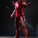 Iron Man 3 Hot Toys présente le Silver Centurion, Tony Stark et de belles surprises