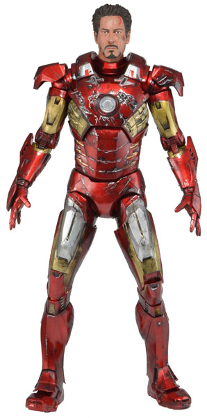 600h-61238_Quarter-Scale-Battle-Damaged-Ironman
