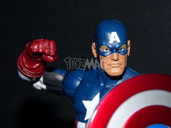 Marvel-legends-captain-america-ultimate-Toyzmag-15