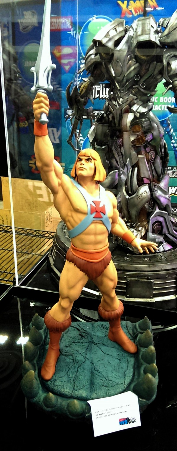 Pop-Culture-Shock-He-Man-Statue-Preview