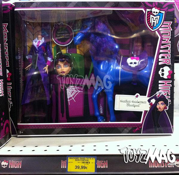 Poupée Monster High Madame Sans Tête et son cheval - Seulement Chez ToysRUsPoupée Monster High Madame Sans Tête et son cheval - Seulement Chez ToysRUs