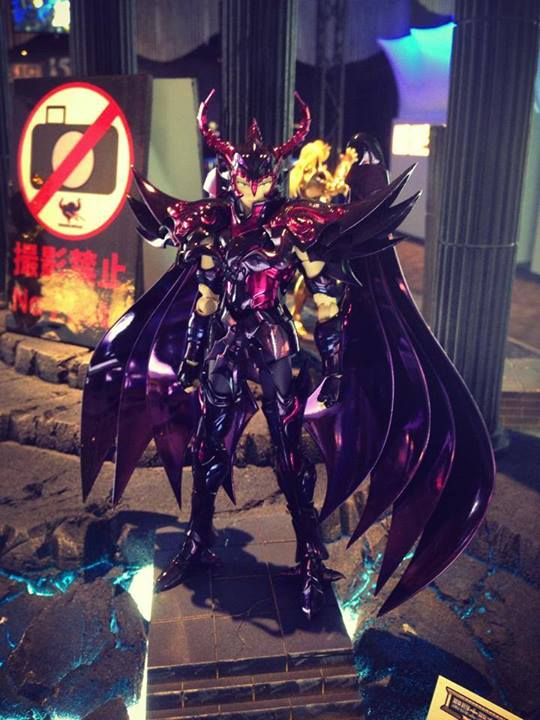 Radamanthys de Wyvern  Myth Cloth Ex