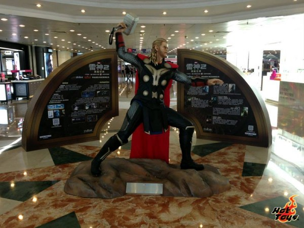 thor the dark world expo hot toys chine 17