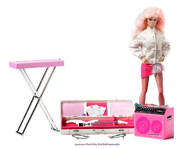 The-Stage-Essentials-Accessory-Sets-jem03