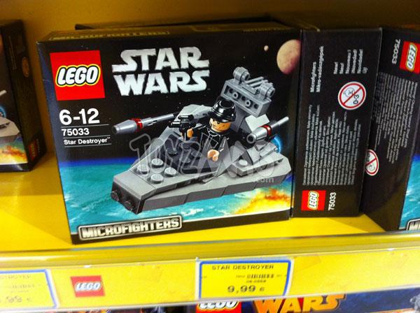 75033 Star Destroyer livré avec un soldat de l'Empire