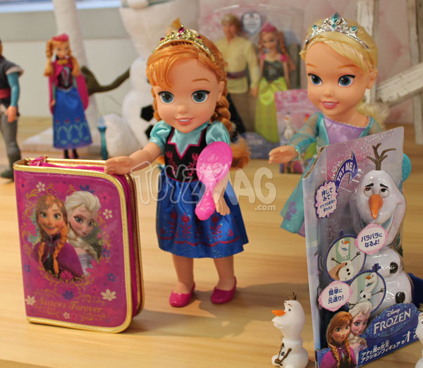 Princesses Disney reine des neiges poupons