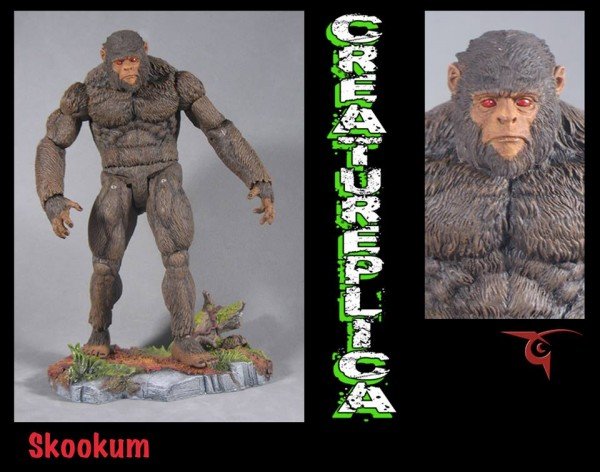 Skookum creatureplica