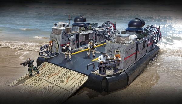 SDCC-2014-Mega-Bloks-COD-Hovercraft-Modern-Warfare-comic-con