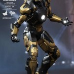 python iron man hot toys 5