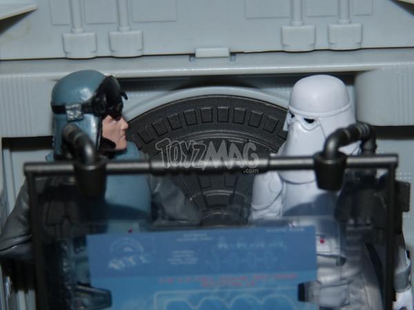 snowtrooper commander hasbro 4